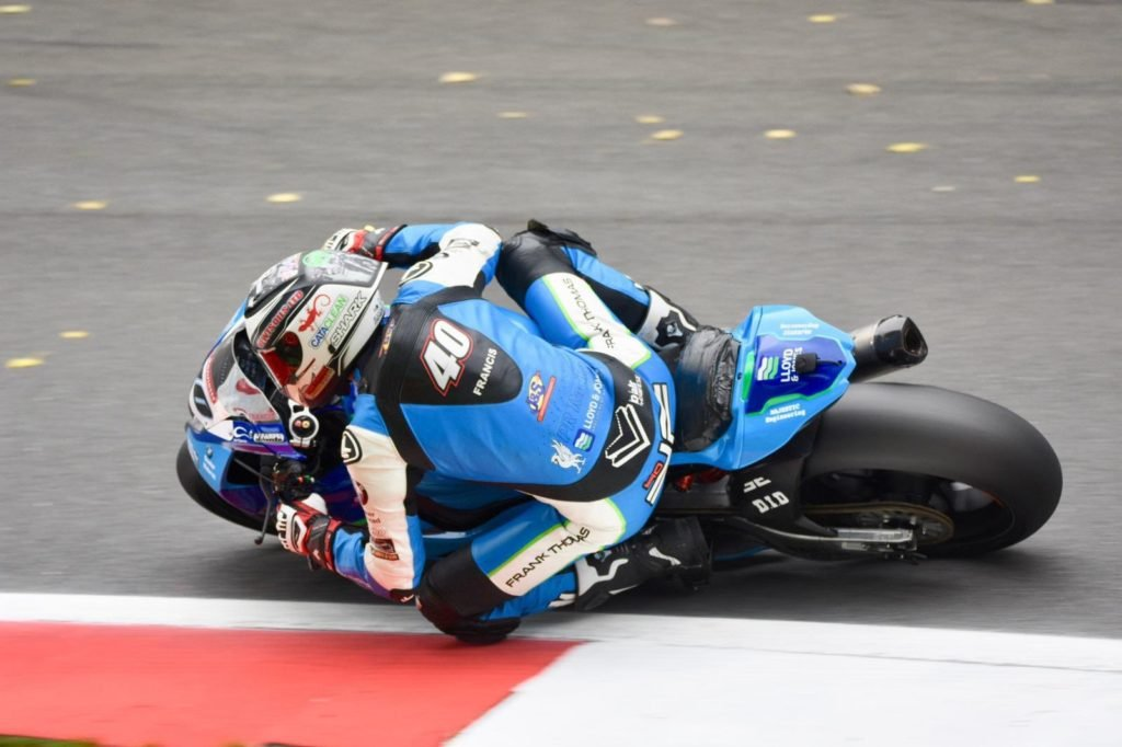 Joe francis in action in race 1 at Cadwell