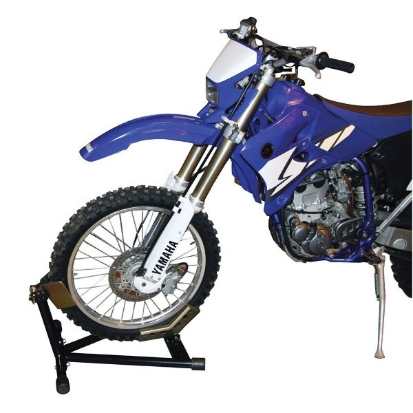 Biketek Front Wheel Choc in use